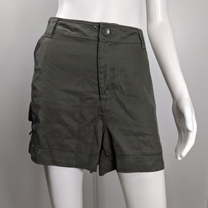 Wit & Wisdom shorts high rise sateen size 18 1747